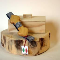 Picche-papillon-in-legno