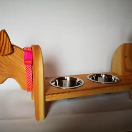 mangiatoia per gatti e cani